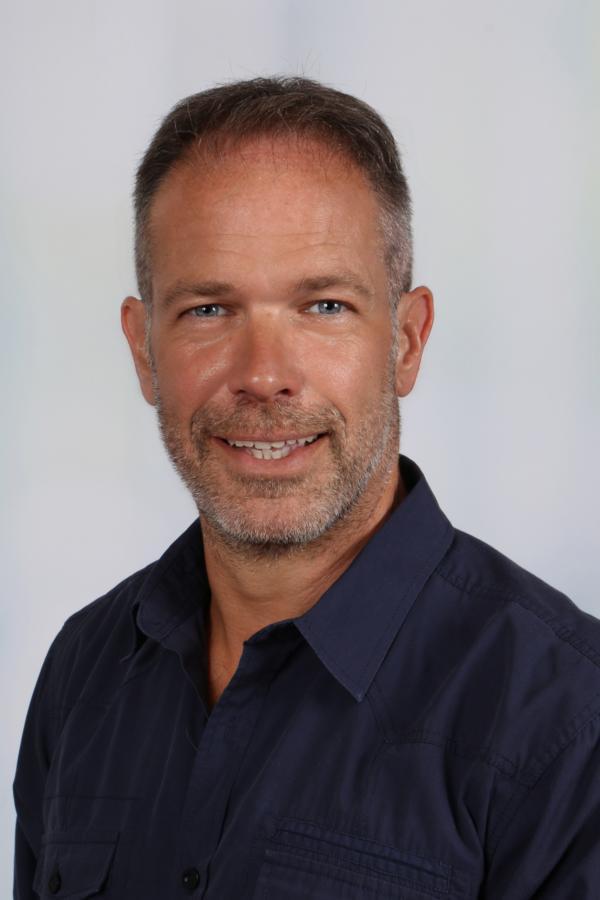 Hr. Meyer (Schulleiter)